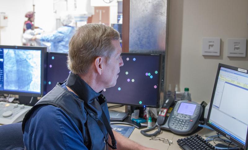 Cardiologist Dr John harvey using new adva
