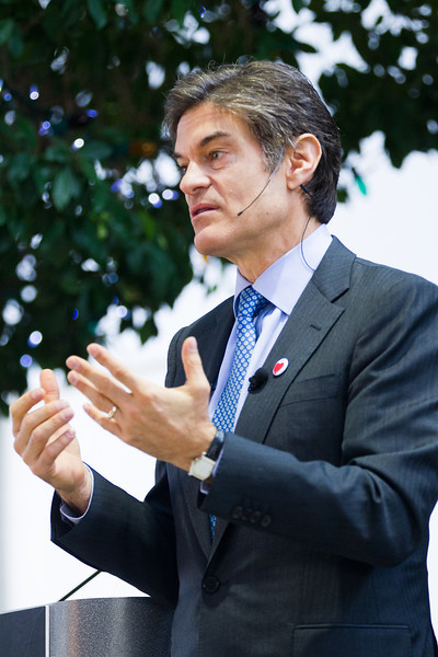 Dr. Oz visitd ASTEC charter school to discuss HealthCorps.
