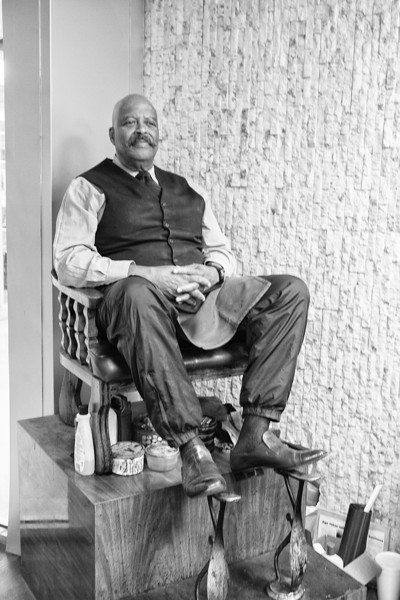 """Big"" Larry Baily, shoe shiner at the First National Center"
