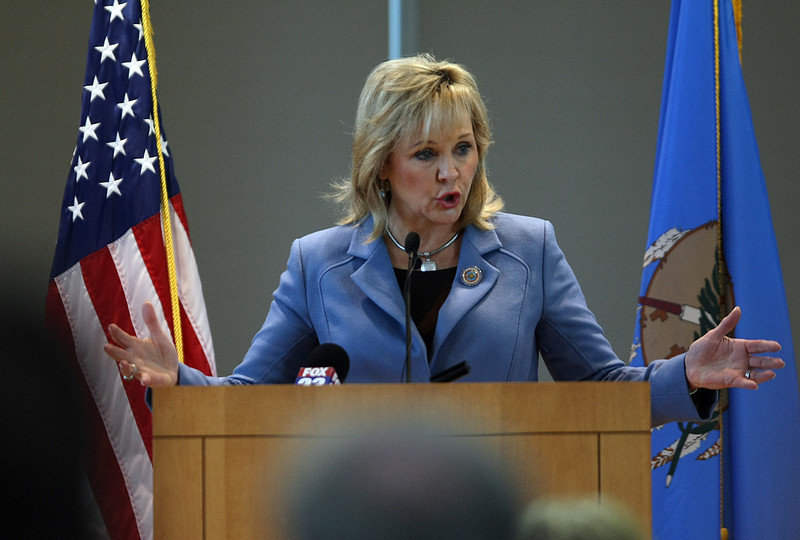 Governor Mary Fallin gives the keynote speech at the CNG Summit in Tulsa.