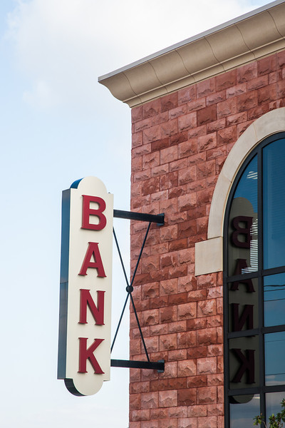 Prime Bank at 1061 W Covell in Edmond, OK.