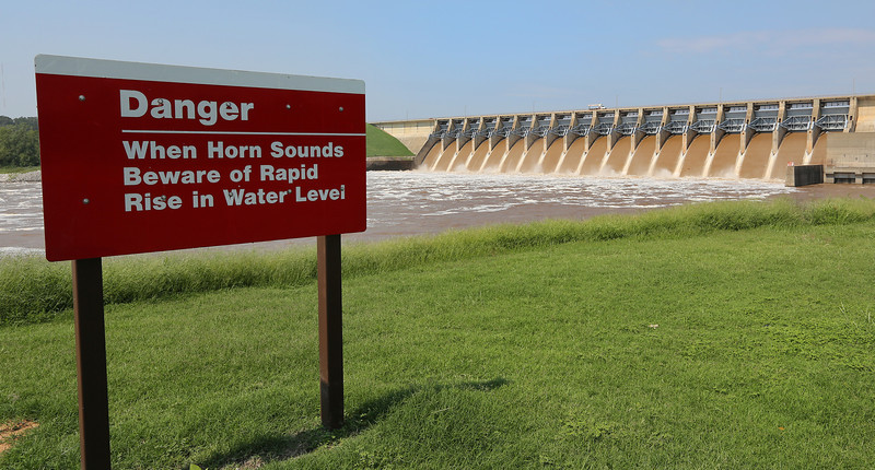 A warning sign at the Keystone Dam.