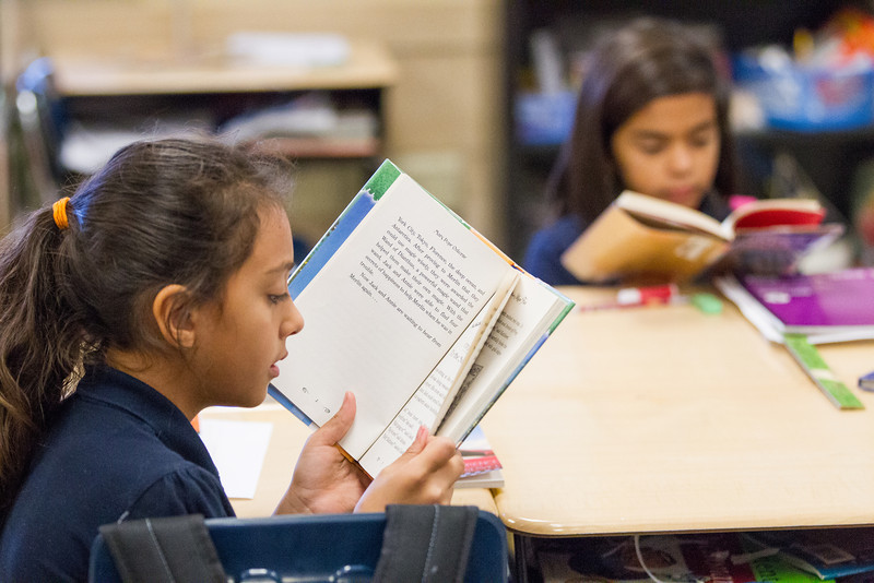 Students reading in Robyn Miller's third grade classroom at Buchanan Elementry in Oklahoma CIty, OK.