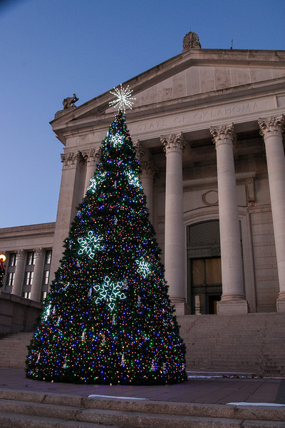 The Christmas tree at the Oklahoma State Capitol