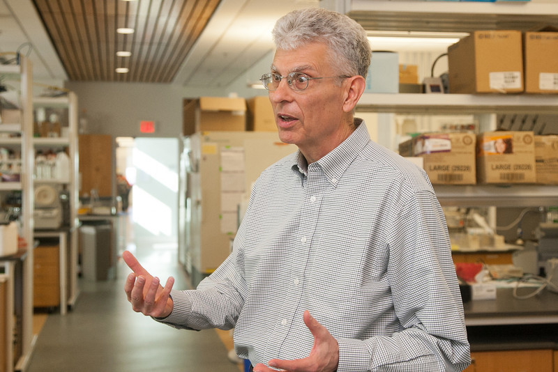 Dr Reodger McEver in his lab at OMRF