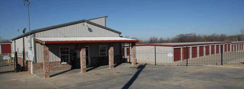 The 501-unit A Safe Mini Storage in Sand Springs was recently purchased by the Sisola Family Partnership of Cypress, California for $3.9 million.
