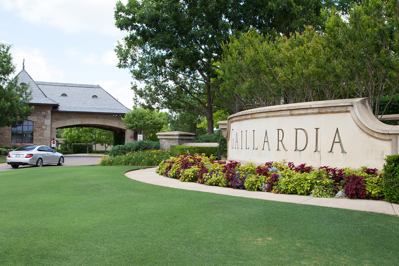 The entrance to Gaillardia in northwest Oklahoma City, OK.