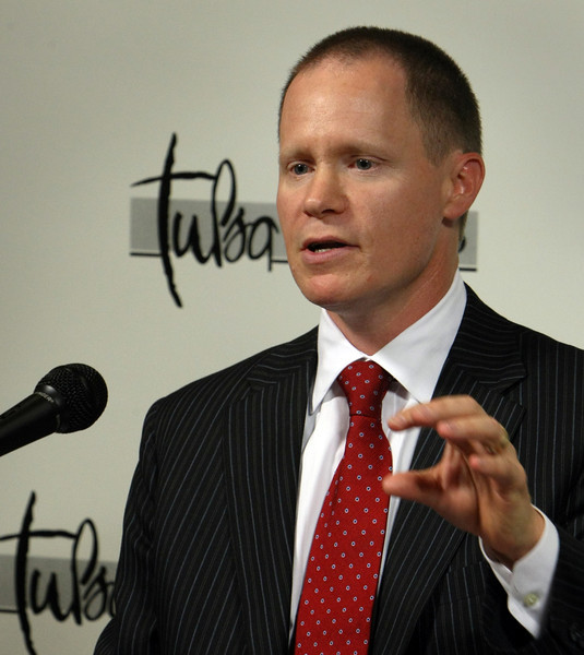 Andrew J. Black, President and CEO of the Association of Oil Pipe Lines speaks at the Tulsa Press Wednesday.