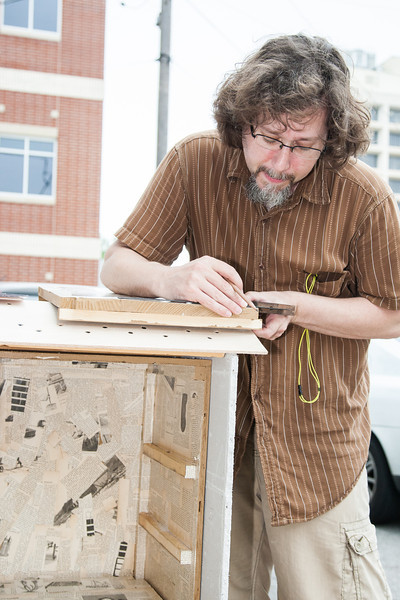 Architect Ken Aunchman building a nodel library.