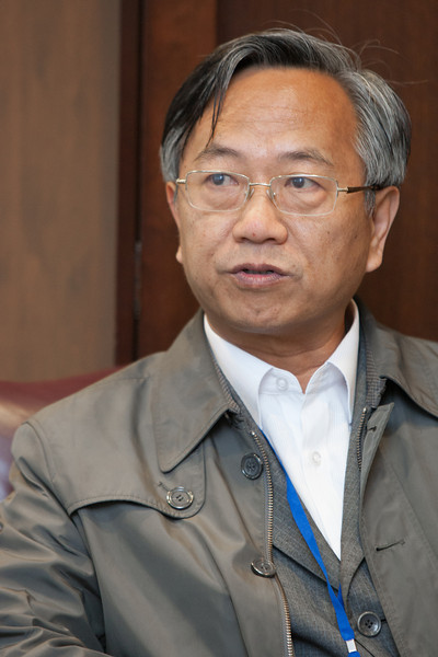 Du Gangjian is Dean of the law school at Hunan University in the city of Changsha located in the Hunan Provence of China.