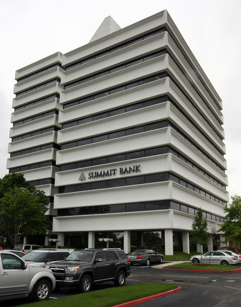 Commerce Bancshares Inc. acquires Summit Bank of Tulsa. <br /> <br /> **** Brian Brus has Cutline infor