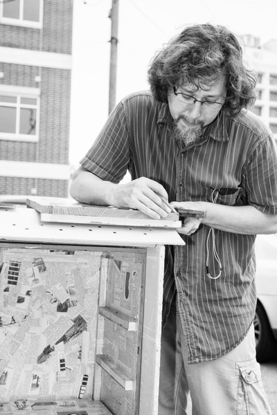 Architect Ken Aunchman building a nodel library.