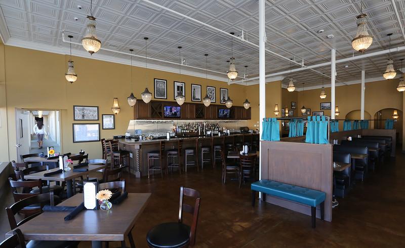 The Maxxwells Resuraunt at the Campbell Hotel in Tulsa.