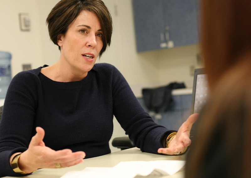 Jennifer K. Clark M.D. (right) instructs students on palliative care.