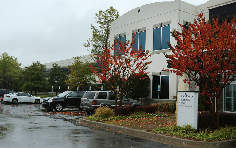 U.S. Cellular has signed a five-year renewal for its 800-employee Union Pines office in Tulsa.