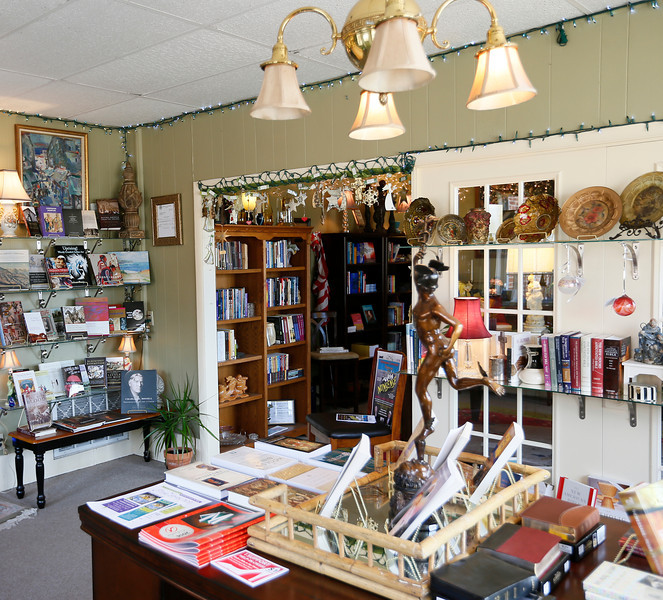 The entry room at the Chapel Books and Fine Collectables  in Tahlequah.