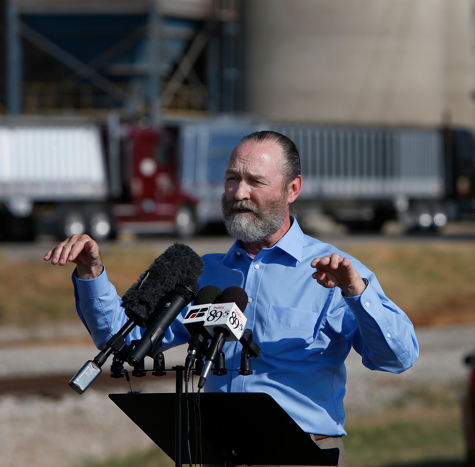 Oklahoma Farm Bureau President Tom Buchanan discusses reaction to Farm Bureau's stance on the Arbuckle-Simpson aquifer.<br /> <br /> Press conference held at the port of Catoosa.