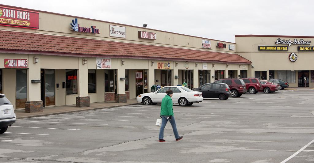 Ting Ventures Eat LLC paid $2.3 million for Tulsa's Spectrum Shopping Center.