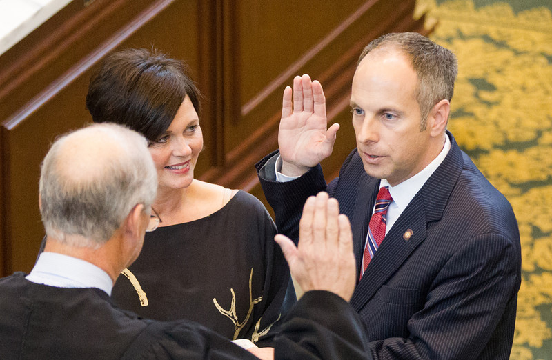 Rep Jeffery Jickman being sworn in as Speaker of the House at the State Capitol.