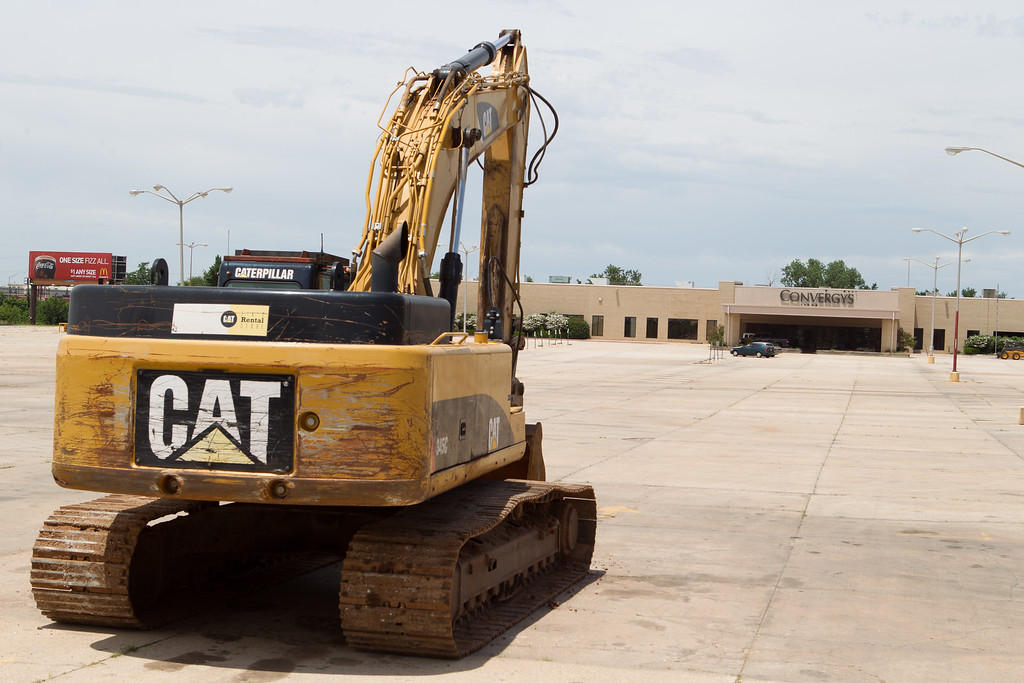 A new Sam's is being built at S. 19th and Broadway in Moorse where the old Convergys currently stands.