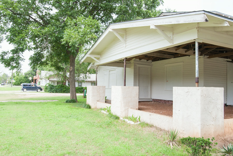 A boarded up house at NW 16th and Flynn in Oklahoma CIty is causing concern for the niehbors that the abondon house is effecting property values.