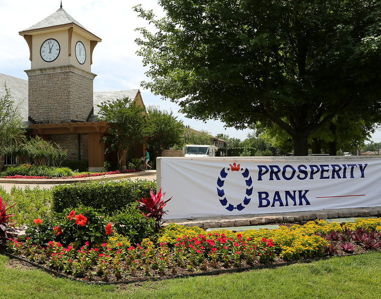 The Prosperity Bank branch at 101st & Yale in south Tulsa.