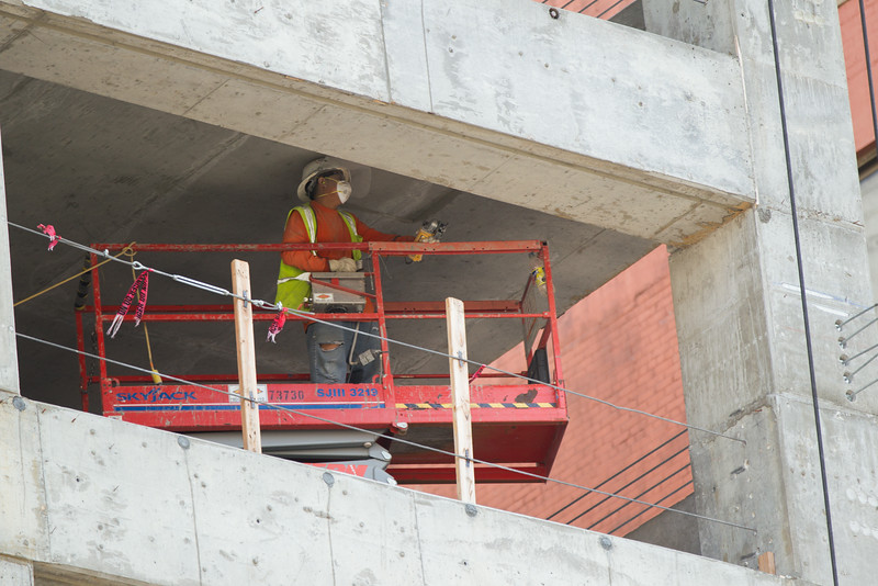 Work continues on the city downtown parking garage that will alleviate parking congestion in the downtwon area.