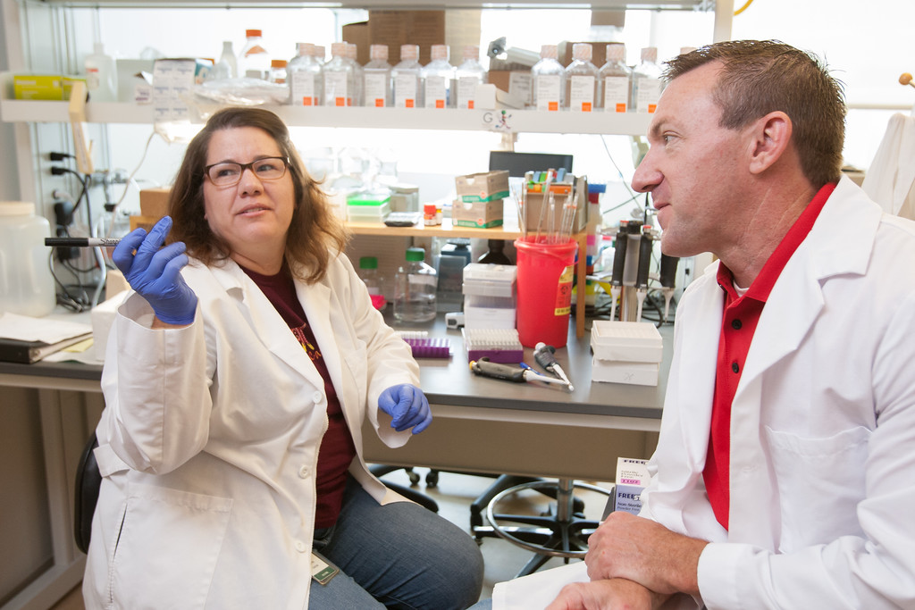 Cindy Carter  and Michael McDaniel are  lab managers in OMRF's Cardiovascular Biology Research Program