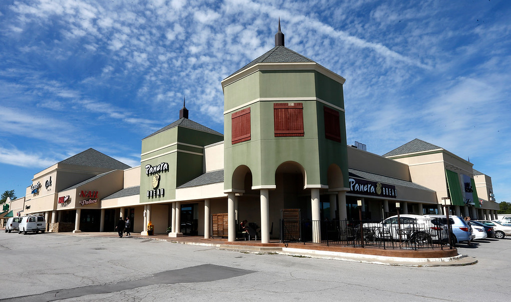 The Shopping Center located at 8922 S Memorial in Tulsa recently sold for $6.5 Million.
