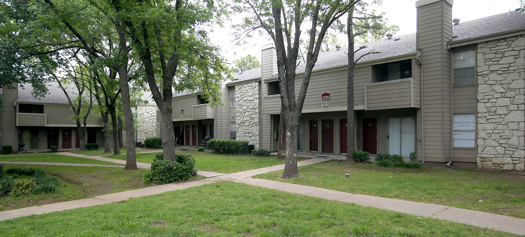 Multifamily operator Capital Assets has recapitalized its 320-unit Silvercreek Apartment Homes, 10710 E. 41st St. South in Tulsa. SC Tulsa Investors LLC is the new owning entity, paying $10.l million to seller Silver Creek Partners LLC for the 35-year-old complex.