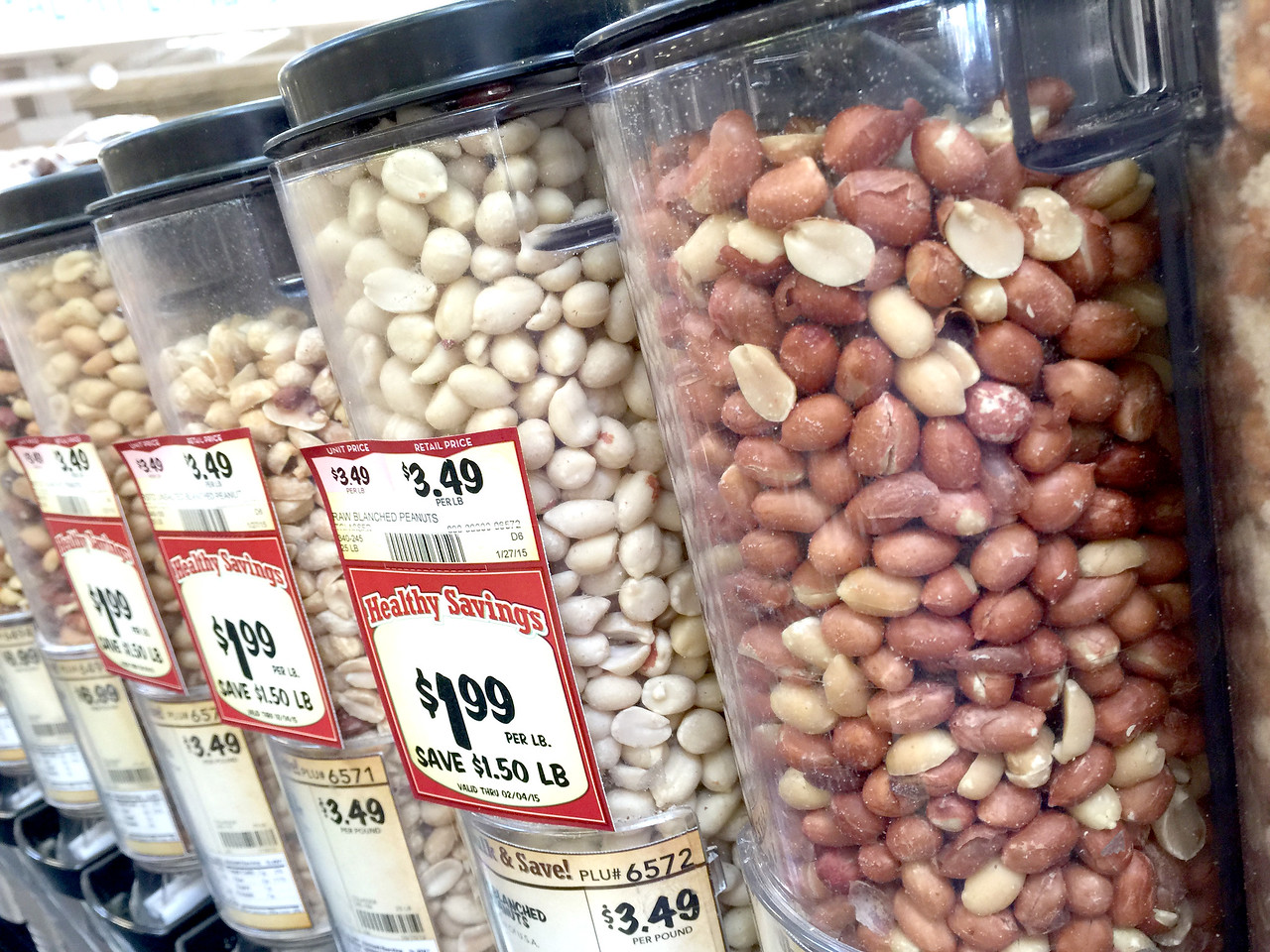 Peanuts for sale at Sprouts grocery store in Oklahoma City, OK.