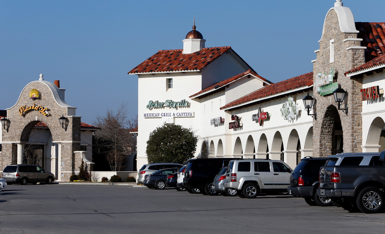 South Tulsa's Plaza del Sol shopping center recently sold for $6.1 million.