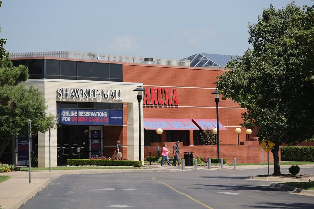 Shawnee Mall in Shawnee, OK is getting a Dunham's Sports store.