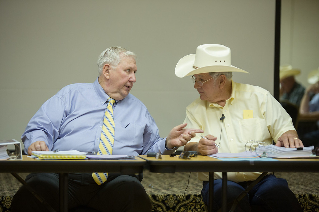 Interim Executive Director Gene Wallace and ACCO Board Chairman Roy Alford during a monthly board meeting of the Association of County Commissioners of Oklahoma.