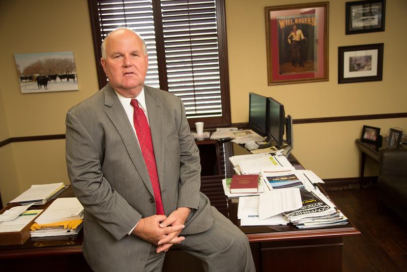 Oklahoma State Auditor Gary Jones is calling for a unicamerial state legislators.