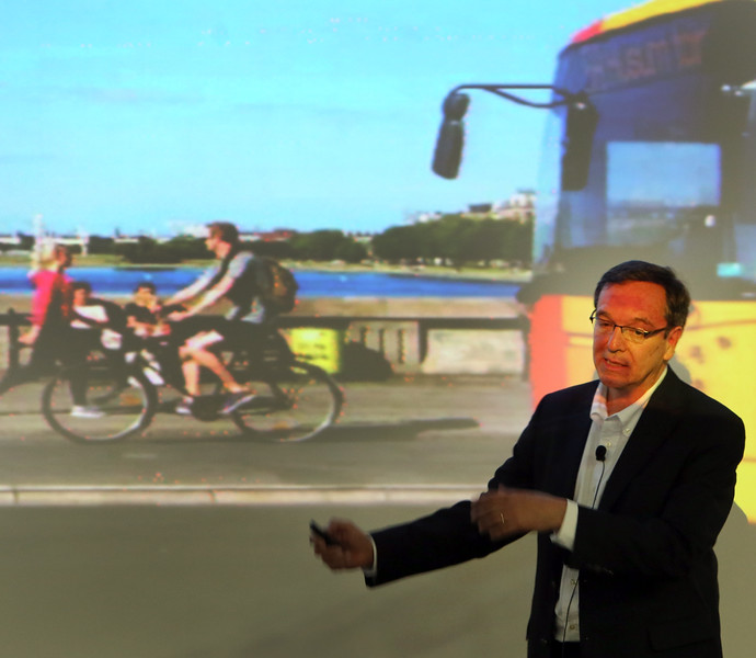 Gil (Guillermo) Penalosa, a proponent of 8-80 Cities' Complete Streets program a nonprofit organization dedicated to transforming communities into places where people can walk, bicycle, and access better transit opportunities, gives his program in Tulsa Tuesday.