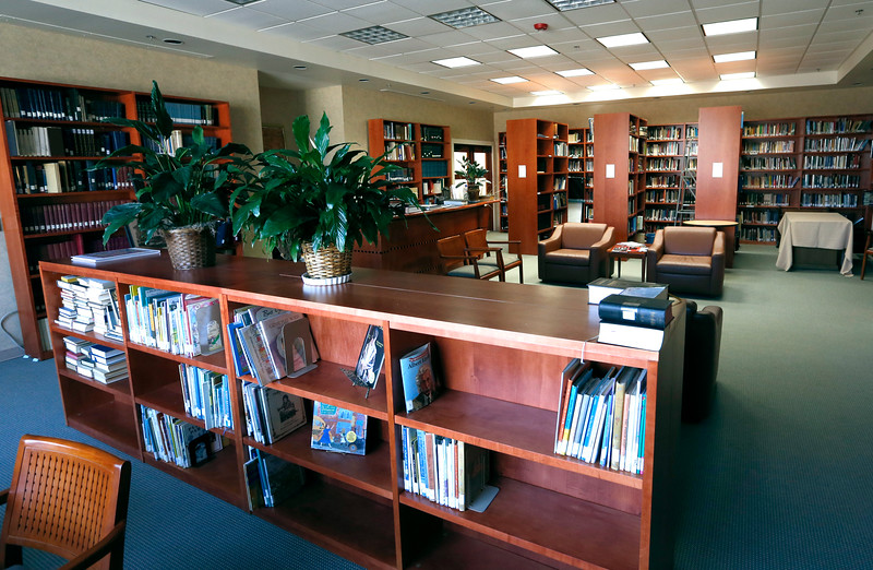 The library at the  Congregation B'nai Emunah synagog in Tulsa.