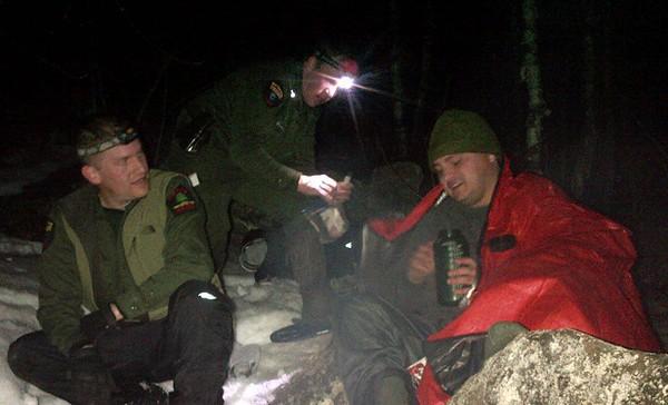 11 13 15 Flashlight hikers