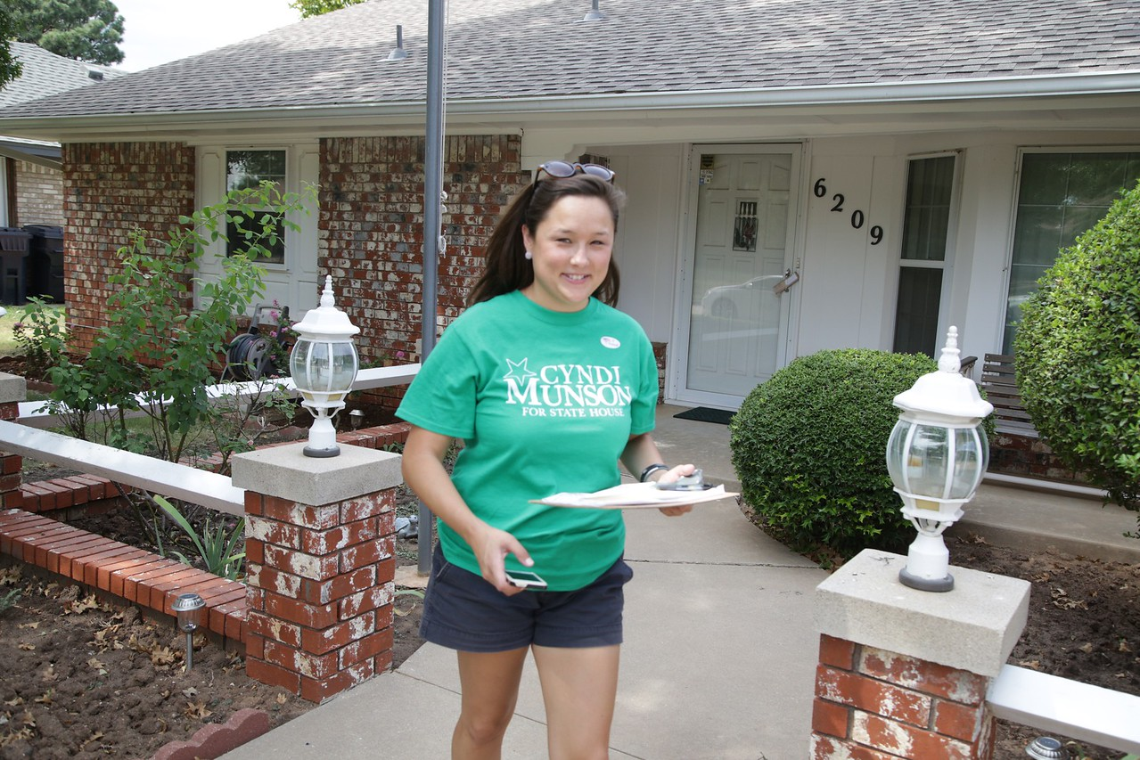 Cyndi Munson going door to door on the day of the special election for Oklahoma House District 85.