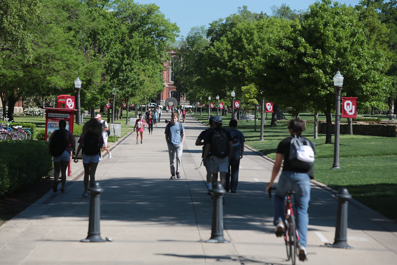 Students on the campus of the University of Oklahoma in Norman, OK.