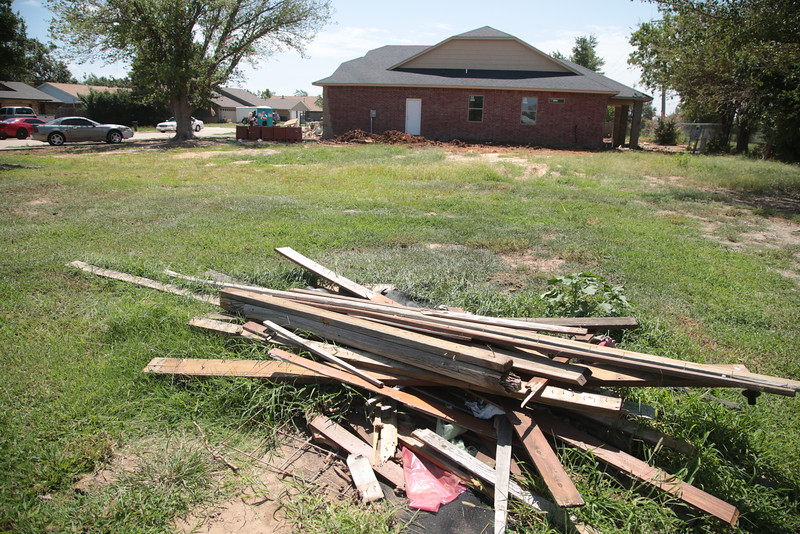 The Oklahoma Corporation Commision has released a report on the cause of a natural gas explosion tgat destroyed several hones in Oklahoma City last year.