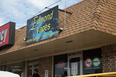 Edmond Vapes located at 106 S Bryant Ave in Edmond, OK.
