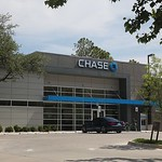 Chase Bank located at 320 N Broadway in Oklahoma City.