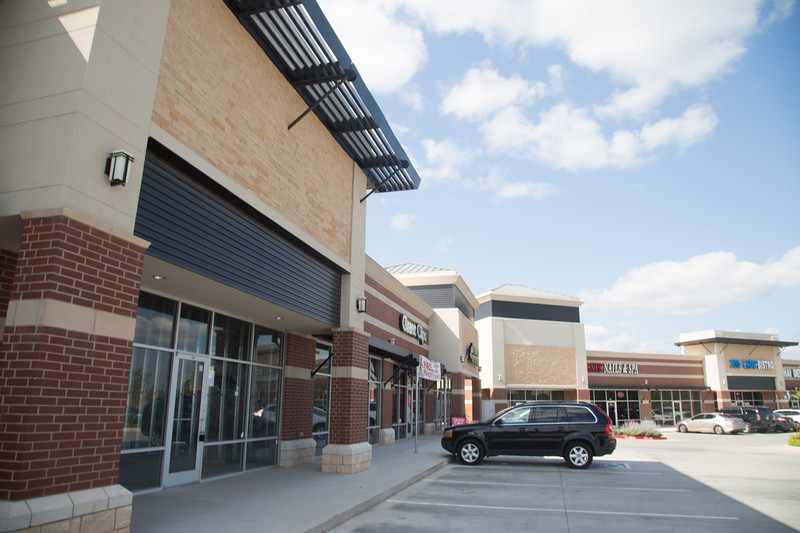 Steve's Ribs is opening a new locatin in Fox Lake Shopping Center located on I-35 between 2nd Street and 15th Street in Edmond, OK.