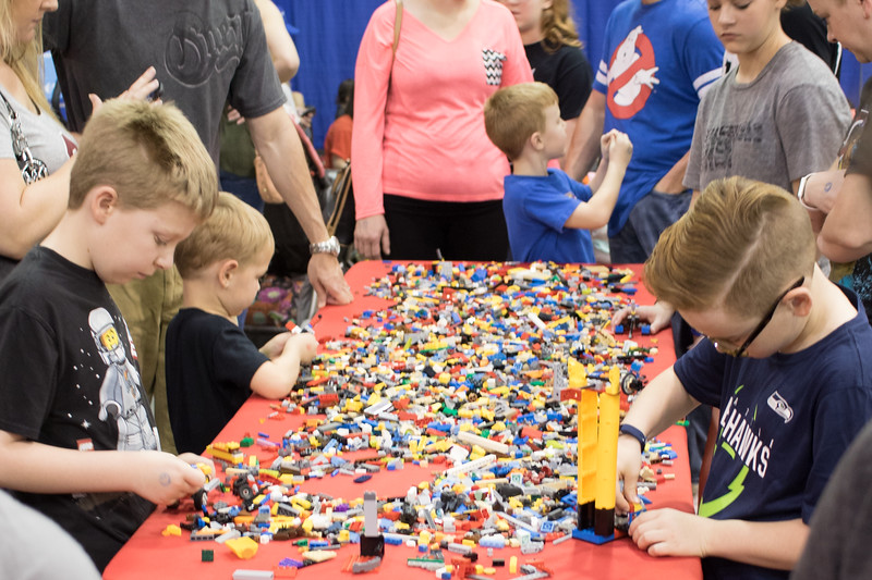 The Brick Universe Lego Fan Convention was held over the weekend at the Cox Convention Center in Oklahoma City. The convention had exhibits from Lego builders, collectiables for sale, compititions and a free build area.