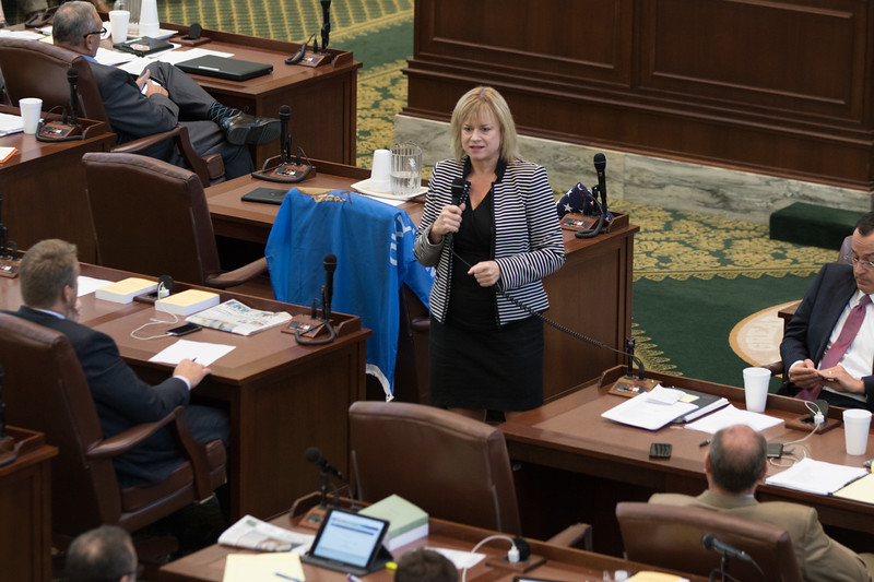 Rep. Leslie Osborn speaking before the vote on SB860 at the Oklahoma State Capitol in Oklahoma City, OK.
