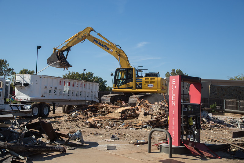 Bolen Nichols Hills Service station be torn down at 6404 Avondale Dr. in Nichols Hills, OK.