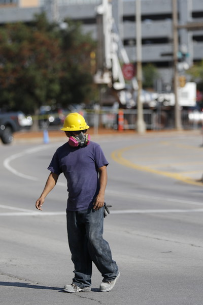 A gas leak at 5th Street and Broadway Ave prompted an evacuation of surrounding buildings.