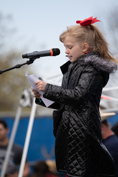 A student from Cleveland Elementry in Norman, OK reads a letter at the education protest at the Oklahoma State Capitol.