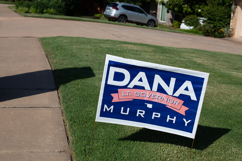 A campaign sign for Dana Murphy in a lawn in Edmond, OK.